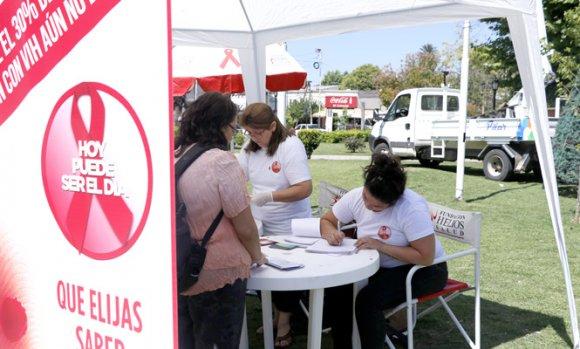 Harán pruebas gratuitas para la detección del HIV en la Plaza 12 de Octubre